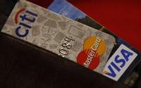 Mỗi người cần có bao nhiêu thẻ tín dụng