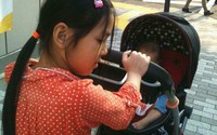 Mẹ Nhật Linh sinh thêm em để con trai bớt nỗi đau mất chị