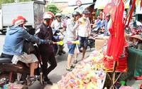 Sài Gòn: Đồ cổ vũ bóng đá cháy hàng trước trận chung kết tối nay