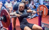 Nữ y tá Australia sở hữu 'thân hình cân đối nhất thế giới'