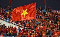 Người hâm mộ cuồng nhiệt ăn mừng chức vô địch AFF Cup 2018