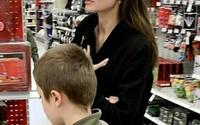 Angelina Jolie đưa con ruột đi chơi sau khi tố chồng cũ từng 'ghét bỏ' Pax Thiên