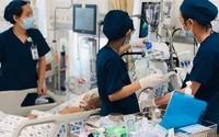 Bác sĩ mở hộp sọ cứu bé trai 8 tháng tuổi xuất huyết não
