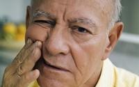 Những bệnh về răng miệng mà người cao tuổi thường gặp