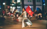 Câu chuyện đầy cảm xúc phía sau hình ảnh NSƯT Chiều Xuân diện áo dài, vác cờ 'đi bão' đang hot nhất MXH