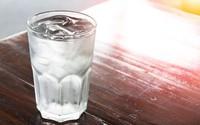 5 dấu hiệu cho thấy bạn chưa uống đủ nước