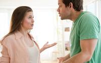 Chồng phẫn nộ vì chạm mặt tình cũ của vợ ở nhà ngoại