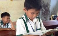 Nam sinh lớp 3 trả 44 triệu nhặt được: 'Ông bà dạy không tham của rơi'