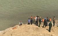 9 cửu vạn đuối nước ở sông Hồng: Tìm thấy thi thể nạn nhân cuối cùng và xót lòng cảnh đời các nạn nhân