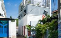 Ngôi nhà 50m² trong hẻm nhỏ đẹp chẳng kém resort ở Sài Gòn