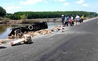 Cô gái tử vong khi ôtô tải lao xuống vuông tôm