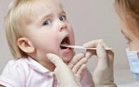 Vệ sinh họng cho trẻ nhỏ như thế nào?