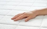 Làm theo mẹo rắc bột lên nệm, người phụ nữ không ngờ ngay tối đó đã có thể ngủ một giấc ngon lành