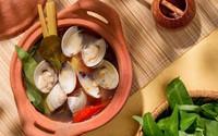 Đưa cơm cực kỳ với món canh ngao nấu chua theo cách này
