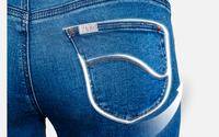 Chọn quần jeans chỉ cần chọn kiểu quần có đường may này, vòng 3 của bạn sẽ được nâng lên tức thì
