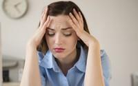 5 dấu hiệu chứng tỏ stress đang tàn phá dung nhan của bạn