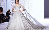 Hé lộ váy cưới