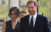 Tiết lộ sốc trước thềm đám cưới hoàng gia: Bố vợ tương lai của Hoàng tử Harry bán ảnh riêng tư giá tiền tỷ