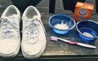 """Mách cách giặt giày thể thao """"một phút xong ngay"""" mà lại sạch thơm như mới"""