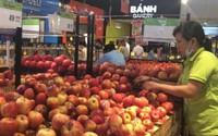Trái cây nhập khẩu rẻ đến khó hiểu: Táo Mỹ còn gần 30.000 đ/kg