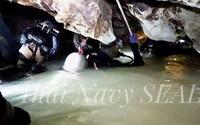 Cách gọi tên các cầu thủ nhí mắc kẹt trong hang của đội thợ lặn gây chú ý