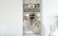 Những tác dụng bất ngờ từ chiếc thang gỗ xinh xắn trong phòng trẻ