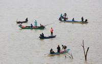 Nghệ An: Hai vợ chồng mất tích khi đánh cá trên sông Lam