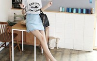 5 cách phối đồ tuyệt đẹp với chân váy jeans diện hoài không chán