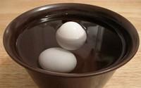 Phân biệt trứng quá hạn trong 'một nốt nhạc'