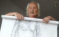 Góa vợ, lương hưu thấp, cụ ông 89 tuổi đi làm người mẫu khỏa thân