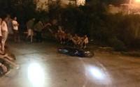 Tài xế ô tô bán tải gây tai nạn, kéo lê xe máy của nạn nhân 3km rồi bỏ trốn