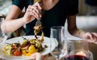 7 thói quen ăn uống dễ gây bệnh ung thư hầu hết ai cũng mắc phải: Ngay từ hôm nay, hãy tránh xa còn kịp!