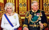 """Bà Camilla từng bị Nữ hoàng Anh gọi là """"người phụ nữ xấu xa"""" và đề nghị Thái tử Charles ly hôn vì không thể chấp nhận được nữa"""