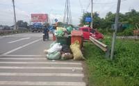 Gom rác độc hại, 3 công nhân nhập viện