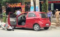 Mở cửa ôtô bất cẩn, nữ sinh bất tỉnh tại chỗ