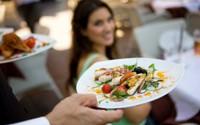 10 mẹo của nhà hàng khiến bạn chi nhiều tiền khi ăn tiệm