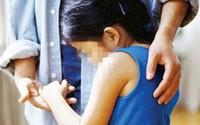 Cha kịp cứu con gái 11 tuổi suýt bị cưỡng hiếp