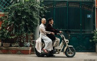 Bộ ảnh kỷ niệm 65 năm ngày cưới 'cực chất' của GS Nguyễn Đình Chú khiến dân tình 'phát ghen'