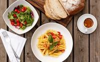 Dân công sở trên khắp thế giới ăn gì vào bữa trưa?