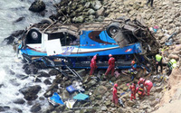 Xe buýt rơi xuống vực, 36 người thiệt mạng