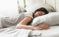 Từ những ca bệnh bị hỏng mắt, các nhà khoa học khuyến cáo người dân cần từ bỏ ngay thói quen này khi ngủ