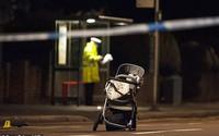 Hình ảnh chiếc xe nôi chỏng chơ trên đường và cái chết oan uổng của bà mẹ trẻ 20 tuổi