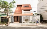 Biệt thự mái ngói ở TP.HCM gợi ý kiến trúc mới mẻ cho những căn nhà phố