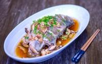 Tuyệt chiêu chế biến cá hấp có mùi thịt gà