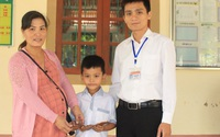 Hà Tĩnh: Học sinh lớp 3 nhặt được tiền, trang sức tìm người trả lại