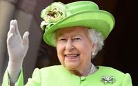 Nữ hoàng giận bác vì thoái vị để cưới vợ 'hai đời chồng'