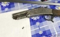 Người đàn ông bắn súng vào đầu vợ cũ do mâu thuẫn tiền bạc