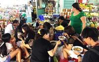 Hàng bánh canh rẻ mà đông khách nhất chợ Bến Thành, giá 50.000 đồng một tô
