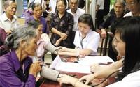 Số người cao tuổi Việt Nam tăng nhanh: Thách thức chính sách về y tế và phúc lợi xã hội