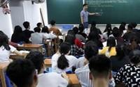 Học sinh Hà Nội nháo nhào tìm 'lò' luyện Sử